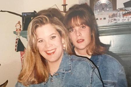 'Find My Killer': la hermana de una víctima de asesinato busca justicia 20 años después usando vallas publicitarias