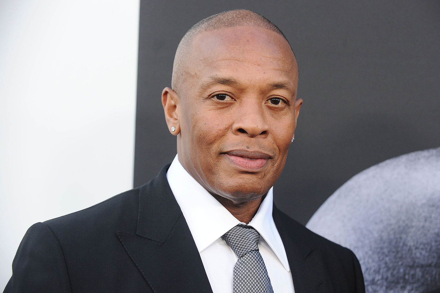 Cuatro hombres supuestamente intentan robar la casa del Dr. Dre horas después de que se informa que está hospitalizado