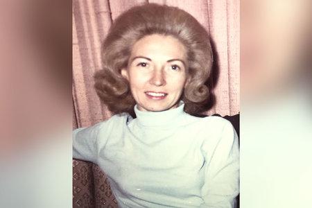 Pärast seda, kui ta pani maasturisse pommid oma jõuka perekonna mõrvamiseks, jättis mees õe murule surnuks põlema.