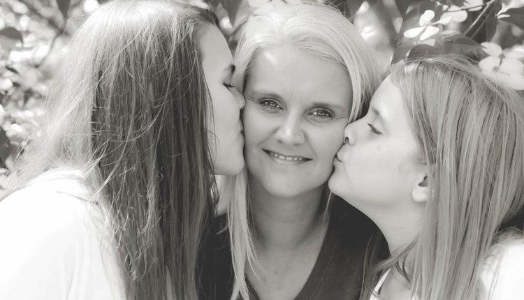 Η Mother Of Crystal Rogers διοργανώνει ράλι στον αγώνα για δικαίωμα επίσκεψης στον εγγονό
