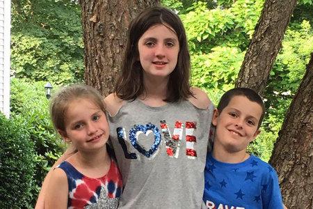 Väidetavalt võitlev lasteraamatute autor leiti surnult koos naisega, 3 last 'Jube, kohutav sündmus'