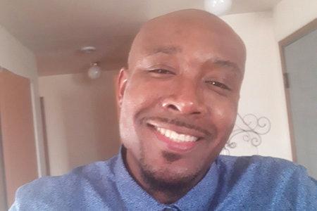 El hombre negro desarmado que murió durante el arresto dijo 'No puedo respirar, señor', pero le dijeron que 'Cállate la mierda', muestra el video