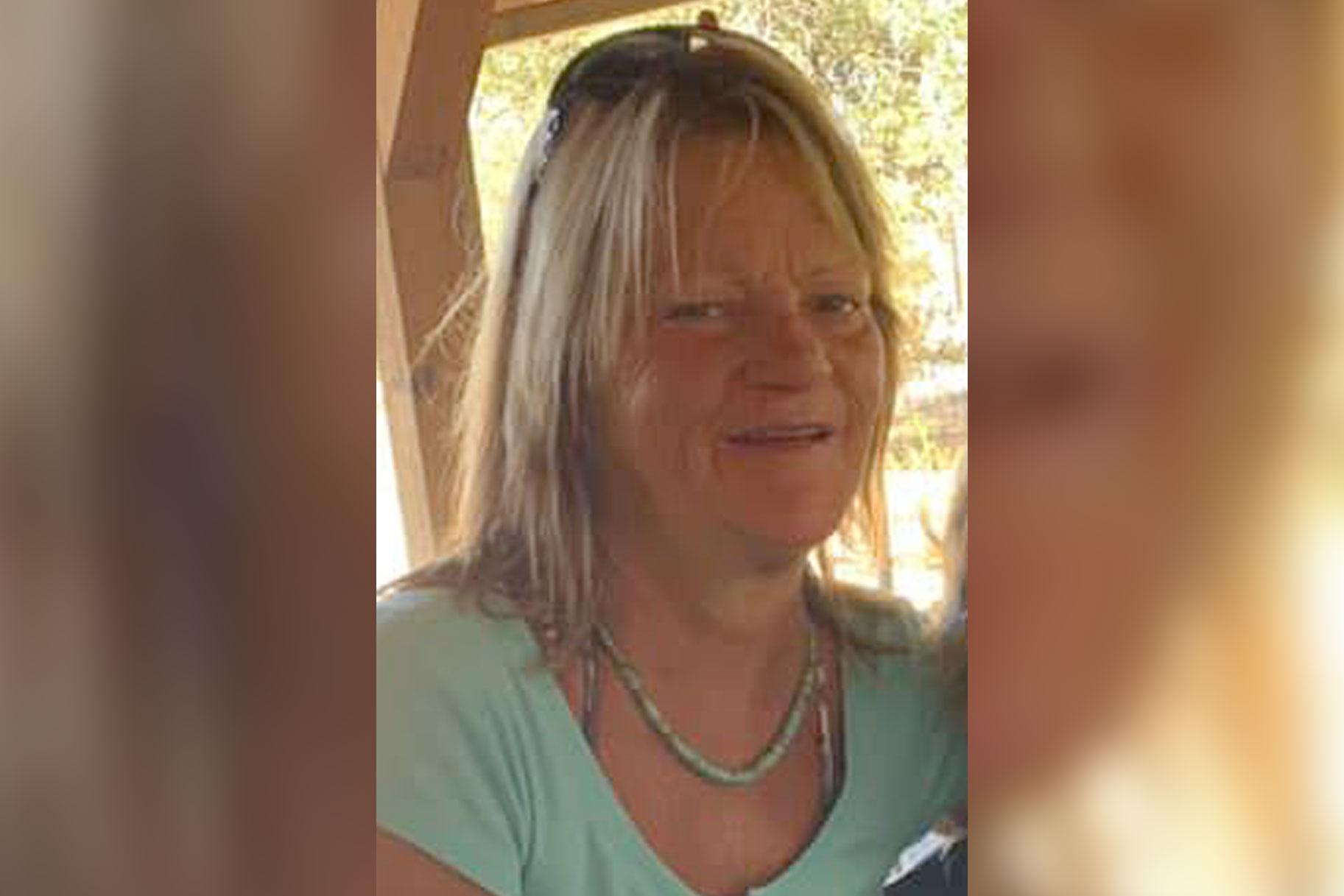 אישה בקליפורניה מתה מנסה להגן על אמה הקשישה מפני התוקף