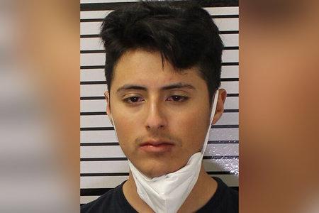 Un hombre de California presuntamente se estrelló contra un apartamento mientras conducía ebrio y mató a una niña que dormía adentro