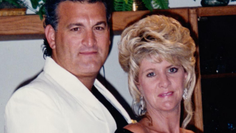 Adakah Amy Fisher Merancang Penggambaran Darah Dingin Mary Jo Buttafuoco? (Video)