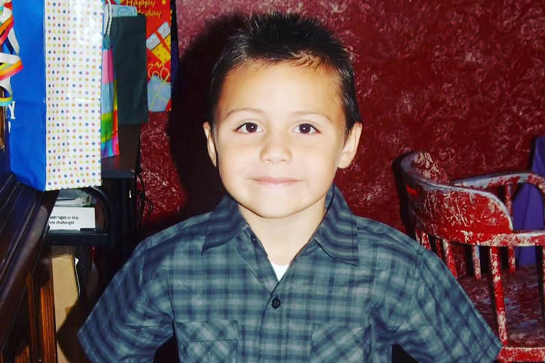 Hukuman Mati Diperlukan Untuk Ibu dan Teman Lelaki California Dituduh Menyeksa Anaknya Selama Beberapa Hari Sebelum Maut