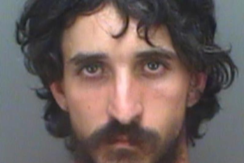 Ο οδηγός της Φλόριντα χτύπησε και σκότωσε τον καλό Σαμαρείτη, και έφυγε στο αυτοκίνητό του, λένε οι αστυνομικοί