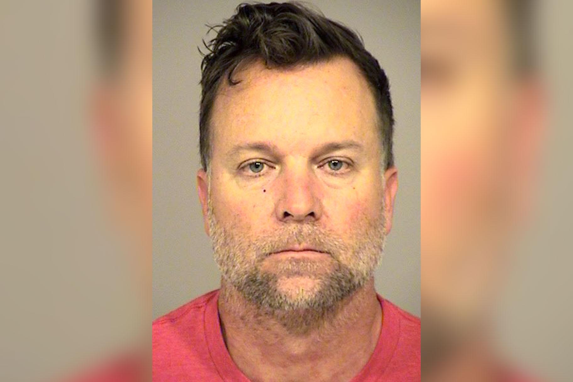 15-årig pige, der indgav voldtægtspåstand, blev seksuelt overfaldet af detektiv, der skulle undersøge det