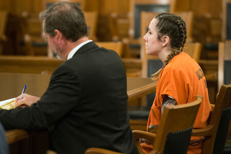 Kvinde, der er anklaget for at dræbe Tinder Date 'Got Off Sexually' på at tale om tortur og mord, anklager hævder