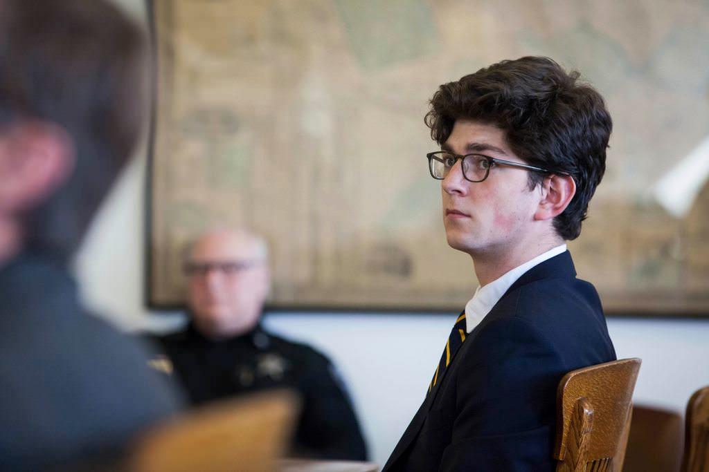 Prep School Grad καταδικασμένος για σεξουαλική επίθεση 15 ετών, ως μέρος του παιχνιδιού σεξουαλικής κατάκτησης απελευθερώνεται από τη φυλακή