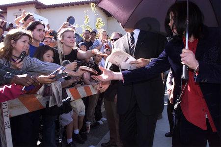 Una breu història del cas de molèsties infantils de Michael Jackson