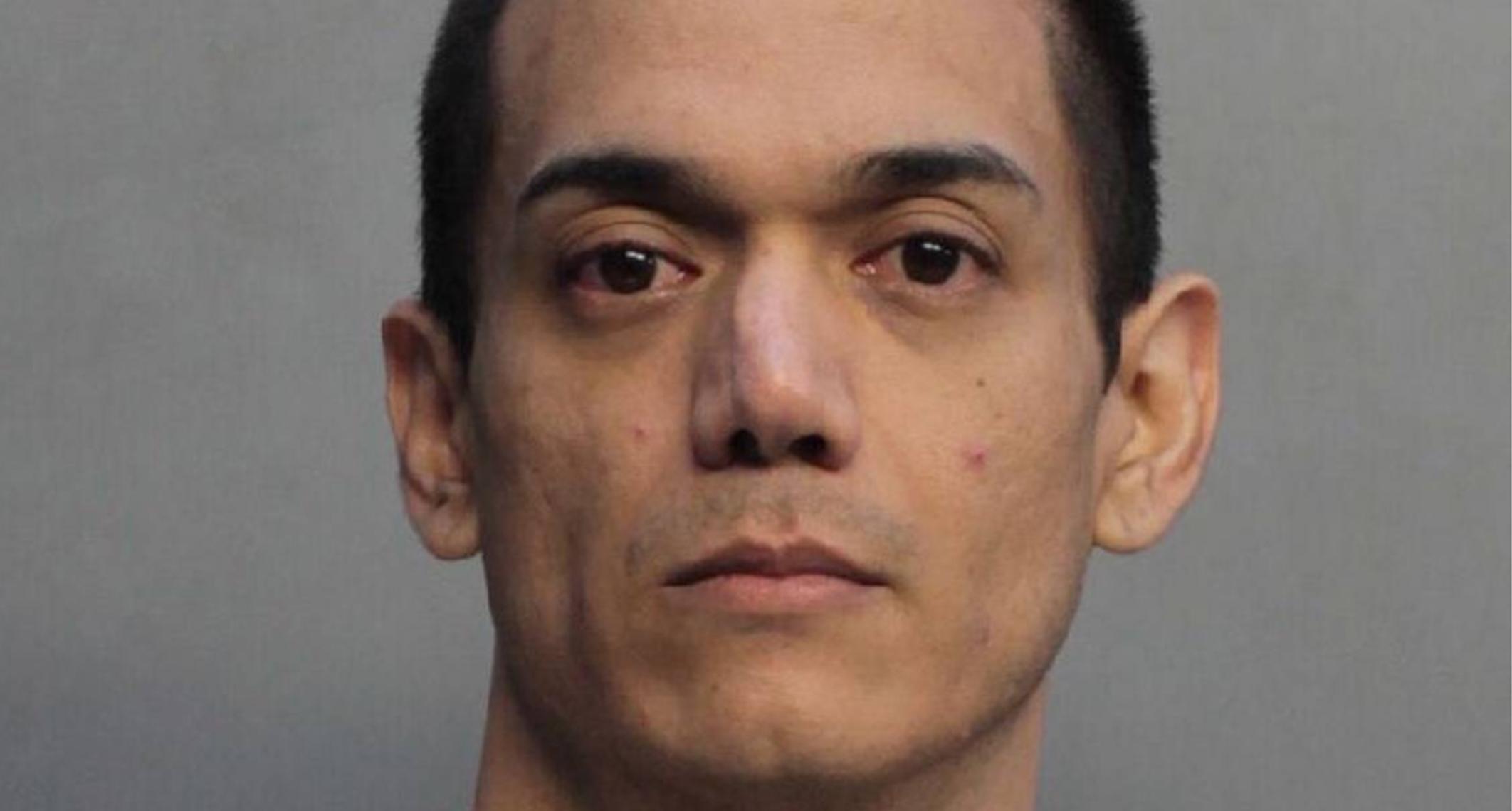 Hombre de Florida se declara culpable de hacerse pasar por ama de casa y filmar en secreto encuentros sexuales con hombres desconocidos