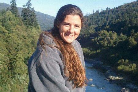 Pogrešani avtomobil mame iz Kalifornije je bil zapuščen na mostu na stotine milj od doma