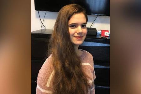 Ένας άντρας που είναι ύποπτος για απαγωγή έφηβος κόρη πιστεύει ότι είναι σαν τον Τζέισον Μπόρνεν, οι αρχές λένε ότι προειδοποιούν ότι βρίσκεται σε «κίνδυνο»