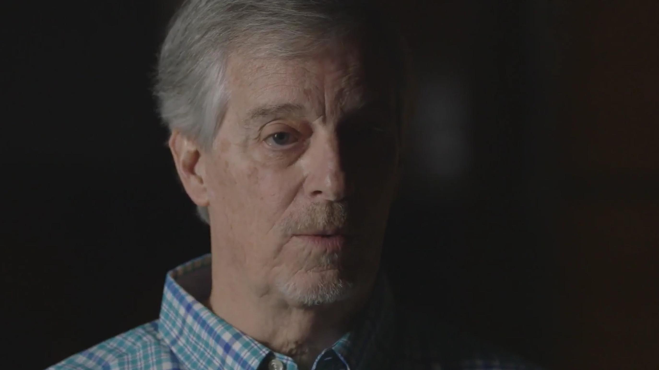 Cimer s koledža Richarda Rogersa podsjeća na serijskog ubojicu s blagim manirama - prije nego što je ubio sljedećeg cimera
