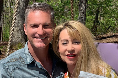 La doble de 'los ángeles de Charlie' y su esposo mueren después del tiroteo con su ex