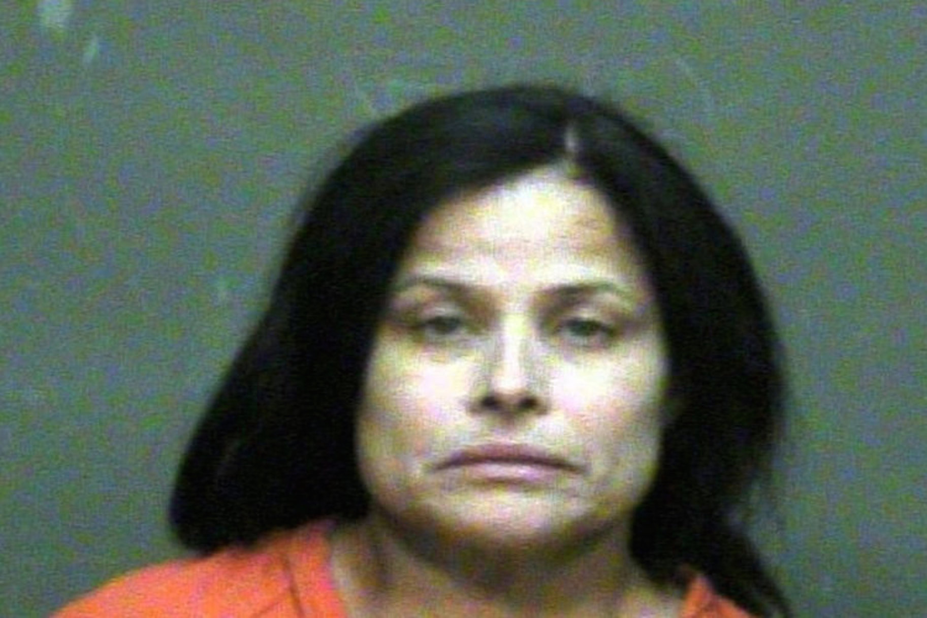 Mamá que mató a su hija empujando un crucifijo por su garganta es sentenciada a cadena perpetua en prisión