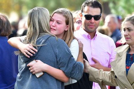 'Mi peor pesadilla en realidad se hizo realidad': Adolescente mata a 2 compañeros de clase en un tiroteo en una escuela de California