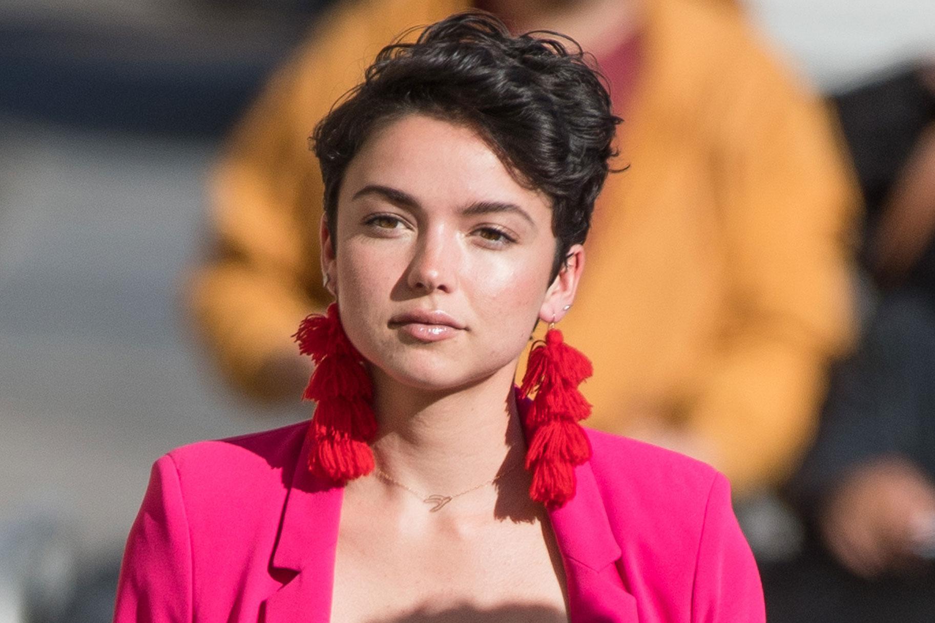 'Žalost ni linearna': Zvezdnica 'Bachelor' Bekah Martinez se odpre o dedkovem umoru