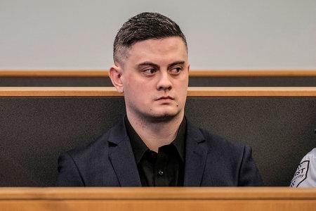 Nakakagulat na Video Ipinapakita ang New Zealand Killer Smuggling na Katawan ni Grace Millane Out Ng Hotel Sa Maleta