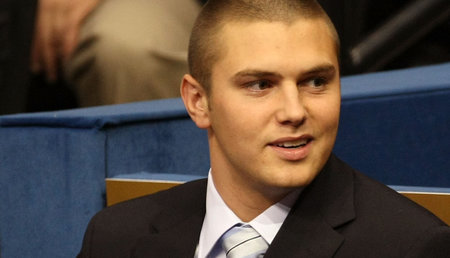 El hijo de Sarah Palin arrestado por violencia doméstica, acusado de agredir a una mujer en su casa