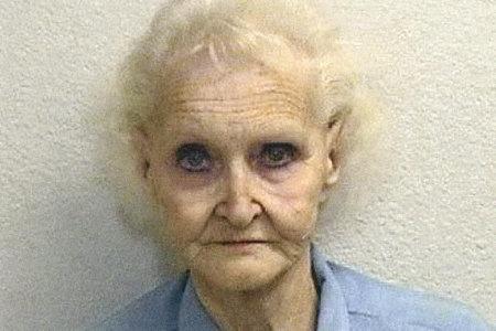 Kui Dorothea Puente on nüüd pärast oma laudurite tapmist ja nende õue matmist?
