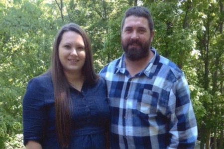 Η 16χρονη και ο φίλος της σχεδίαζαν τη δολοφονία των γονιών της σε αιματηρή εισβολή στο σπίτι