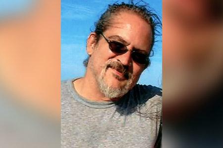 'הפרצוף השלם שלו חלף': שיחות בן 13 911 לאחר שמצא את אבא מת מפוצץ רובה הציד
