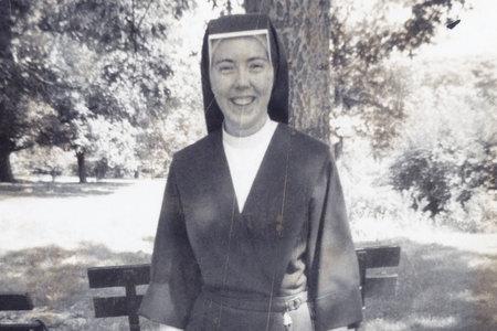 מי חנקה נזירה בת 26 למוות רק 100 מטרים מהמנזר שלה?