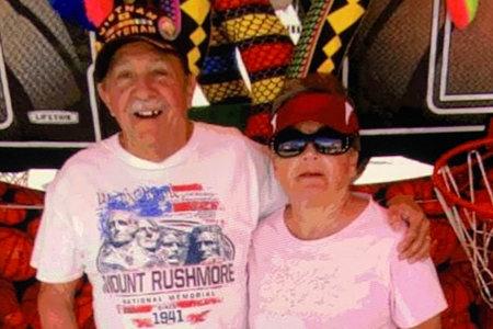 Pareja de ancianos que desapareció durante una caminata fue encontrada muerta a tiros