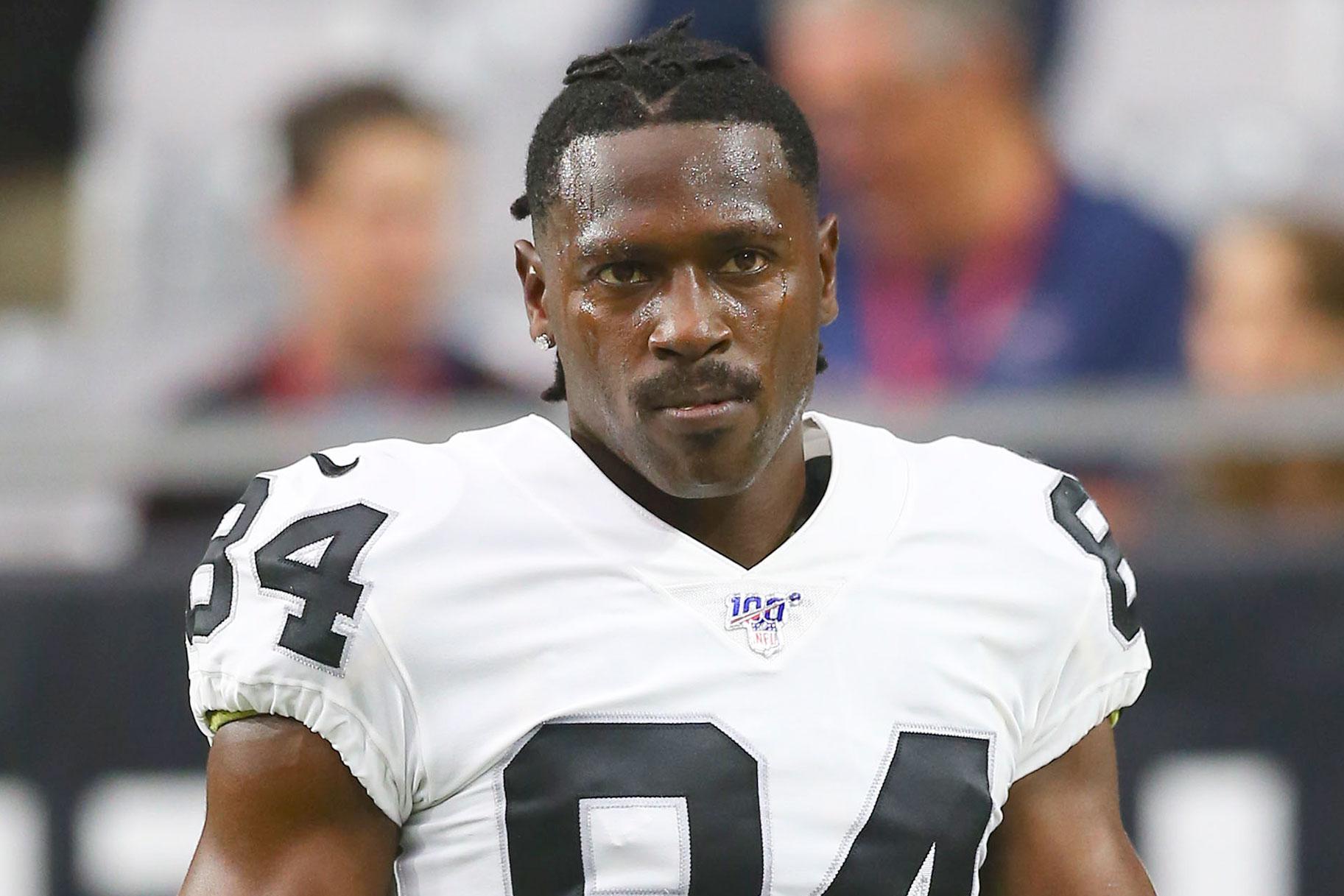 Ο παίκτης του NFL Antonio Brown κατηγορείται για «βίαιο» βιασμό πρώην εκπαιδευτή