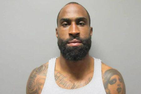 L'ex estrella de la NFL, Brandon Browner, rep vuit anys de presó per intent d'assassinat d'una ex-nòvia