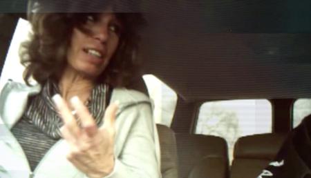 Ο Σύμβουλος προσπαθεί να στρατολογήσει μια ασθενή στην πλοκή της για να δολοφονήσει τον πρώην σύζυγό της