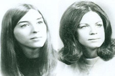 המשטרה עוצרת כמעט 50 שנה לאחר שנמצאו שתי נשים שנרצחו באכזריות בקוטג 'על החוף
