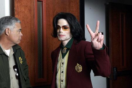 10 af de mest chokerende fakta fra Michael Jackson-sagen om børnemisbrug