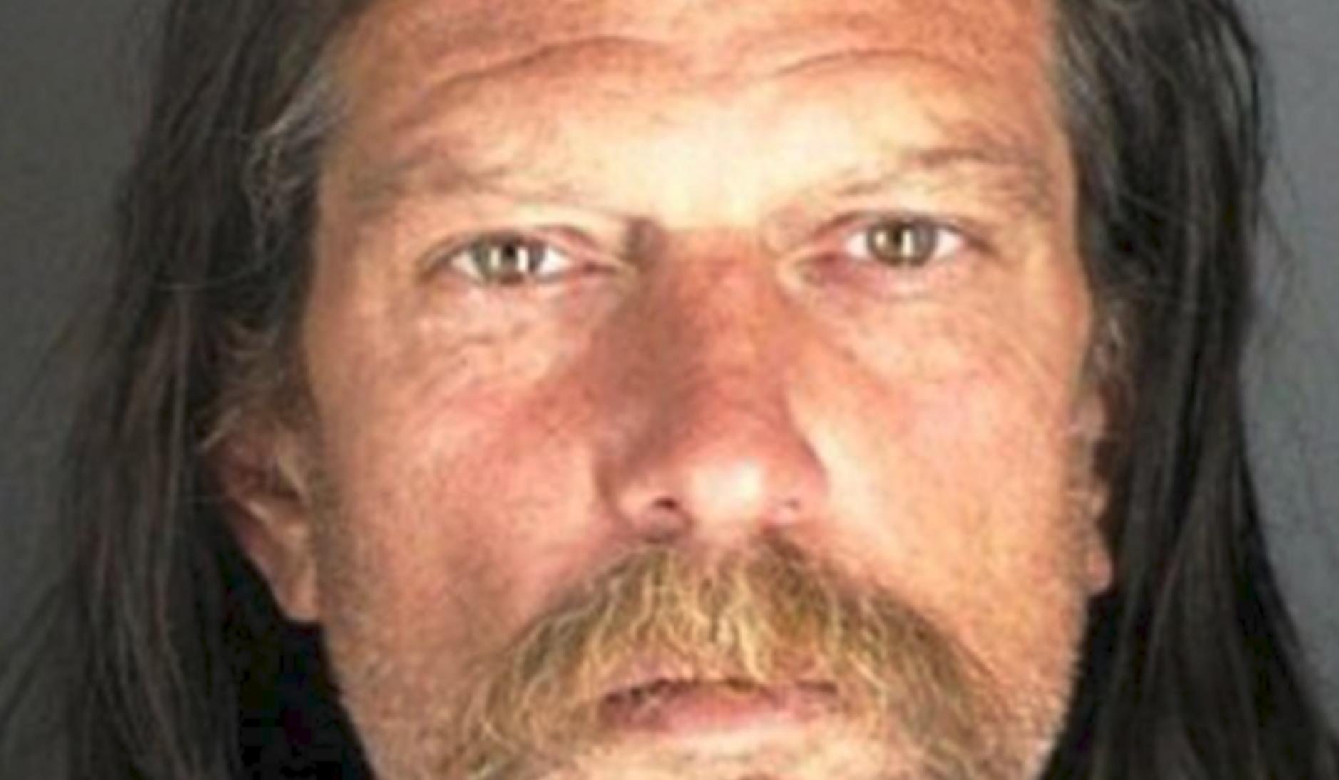 פדופיל שהורשע מודה לכאורה ברצח ג'ון בנט רמזי, אך המשטרה נראית לא משוכנעת