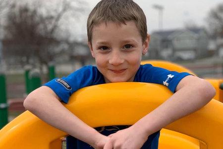 Un niño de Iowa de 8 años 'gentil' con una 'sonrisa infecciosa' asesinado en un presunto atropello y fuga