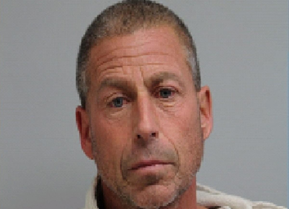Illinoisi mees süüdistas purjus naise kümblustünni kaane sulgemist, jättes ta surema