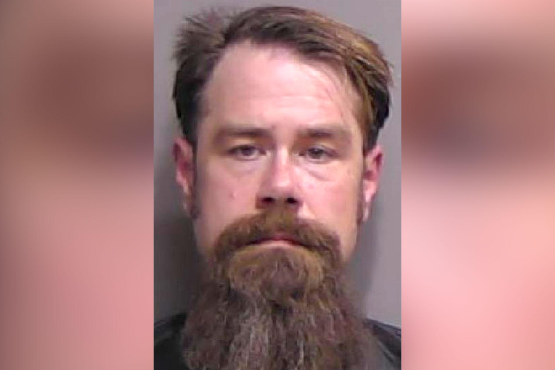 Arresto de un hombre en Florida en medio de un presunto intento de matar a su novia captado por la cámara del cuerpo de la policía