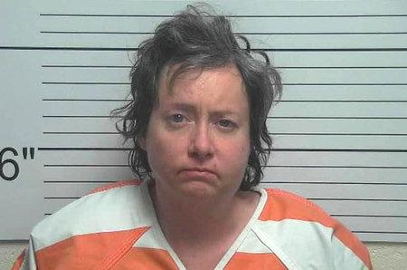 Mamá de Utah presuntamente disparó contra su hijo de 2 años y luego sobrevivió después de dispararse a sí misma