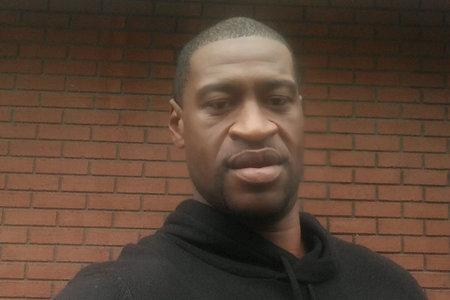 'Por favor, no me disparen ... Acabo de perder a mi mamá', sollozó George Floyd a la policía poco antes de la muerte, según un video recientemente filtrado