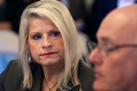 Mujer presuntamente asesinó a senadora estatal que 'era como una hermana' para ella por dinero