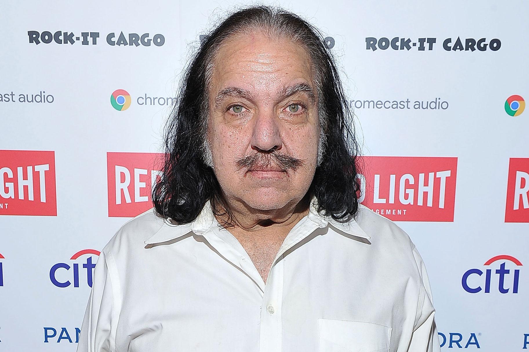 Ngôi sao phim người lớn Ron Jeremy bị buộc tội hiếp dâm 3 phụ nữ, tấn công tình dục người khác