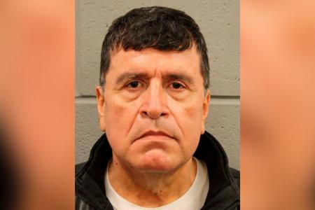Ex capitán de la policía de Texas acusado de apuntar a un hombre a punta de pistola, alegando que era responsable de 750.000 boletas falsas