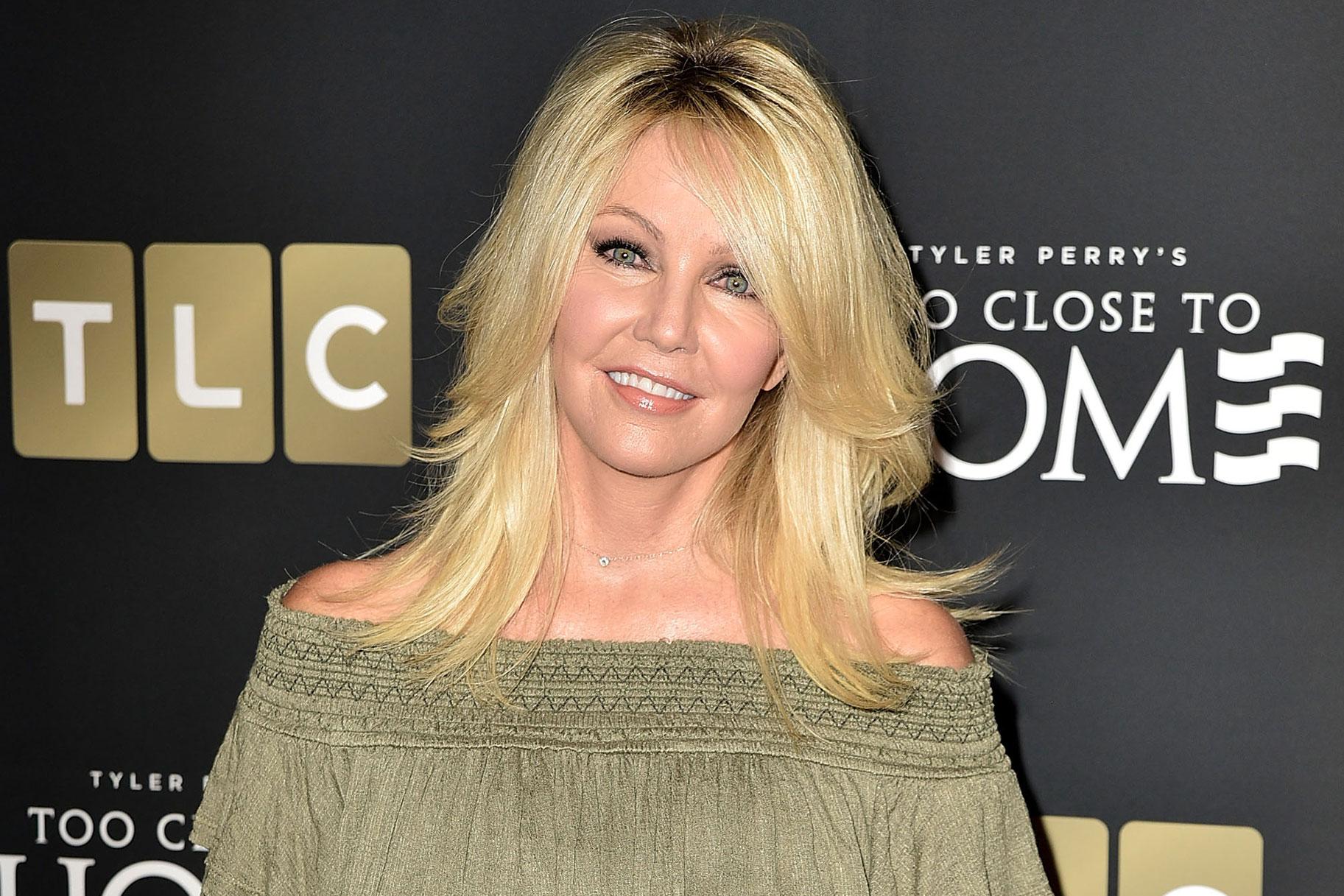 Heather Locklear được cho biết đã kiểm tra việc vào trại cai nghiện, là 'xé nát gia đình của cô ấy'