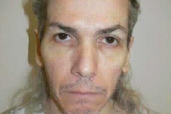 Recluso sentenciado a muerte por masacrar a un guardia de la prisión hace bromas en los últimos momentos