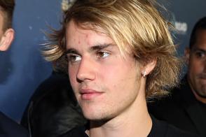 Justin Bieber presuntamente golpea a un hombre asfixiando a una mujer en Coachella