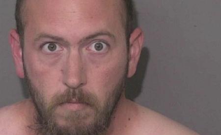 Hombre entra a la oficina del alguacil para informar que asesinó a su hija de 15 años, dicen las autoridades