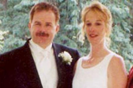 공동 묘지 비밀은 딸을 모함 한 '블랙 위도우'남편 독극물 유죄 판결을 도왔습니다.
