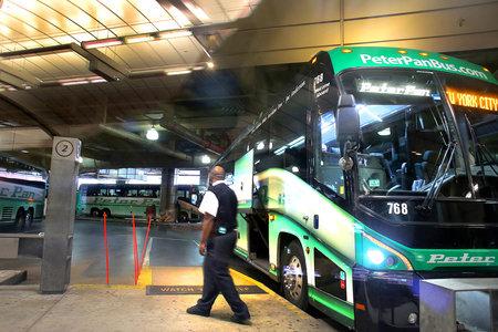 Bussi pagasiruumis trummi mänginud reisija lukustamises süüdistatud juhile langenud tasud